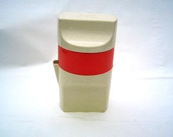 Retro fruit juice press by Knap