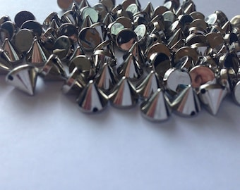 100 pcs 7 mm Cone Silver Acrylic SEWING Flatback ConIcal Spikes Single Row Spikes and Studs
