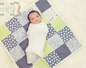 custom mini quilt, mini quilt, wall hanging, doll quilt, photography layer, layering quilt, newborn photo prop, baby wrap