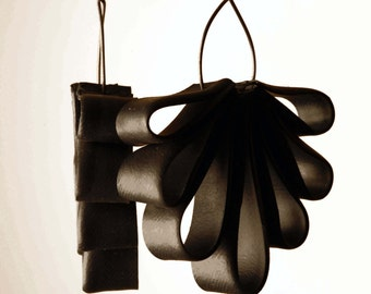 LICORICE FLOWERS. Hungarian upcycling jewellery made out of bike inner tube