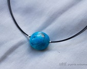 Turquoise choker necklace. Rigid thread.