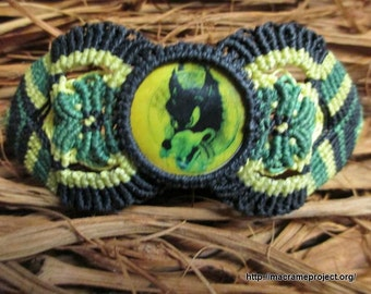 Grateful Dead Macrame Bracelet with Dire Wolf image in green and yellow