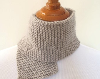 Short scarf Soft light grey Merino hand knit mini scarf. Soft. For boys, for girls, for adults. Ready made. Ready to ship