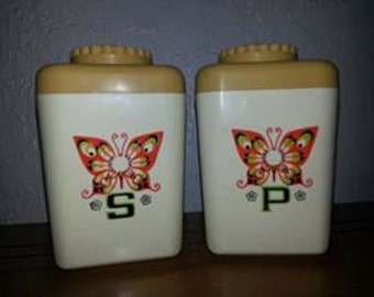 Vintage Harvest Gold Butterfly Salt and Pepper Shakers