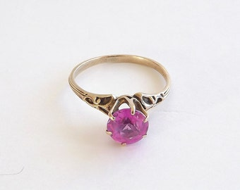 Pink  Sapphire Solitaire with Filigree, Size 6.25