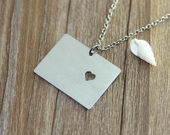 I heart Colorado Necklace - Colorado Pendant - State Necklace - State Charm - Map necklace - Map Jewelry