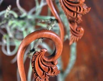 """Sawo Wood Tribal Floral Hook Hangers (Pair) 3mm (8g) 4mm (6g) 5mm (4g) 6mm (2g) 8mm (0g) 10mm (00g) 12mm (1/2"""") 14mm (9/16"""") 16mm (5/8"""")"""