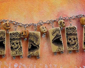 Day of the Dead Catrina with Skulls – Charm Bracelet with altered bamboo beads