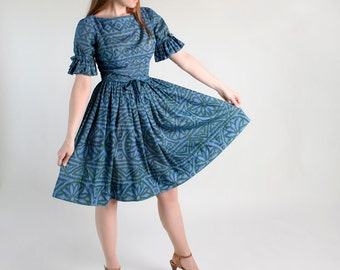 Vintage Jonathan Logan Dress - Lush Green and Blue Flower Burst Day Dress - Medium