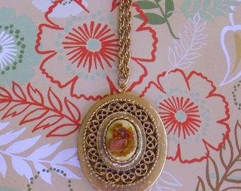 Romantic Scene Courting Colonial Couple Locket Pendant Necklace