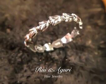 Tulip Ring (platinum 900)