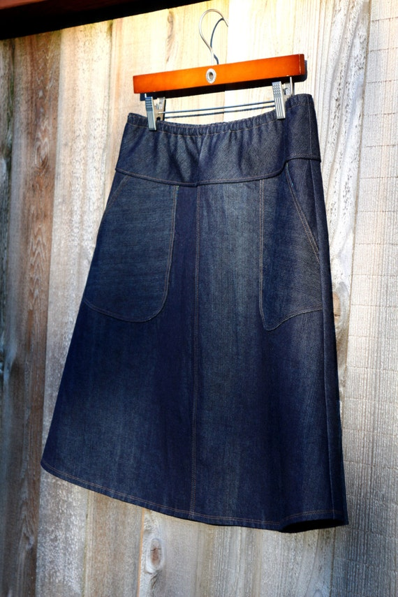 Dark Denim Jean skirt round Apron pockets A-line