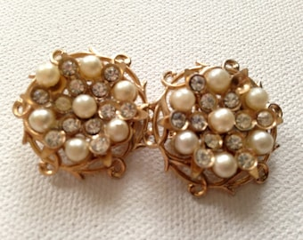 SALE! Gold and Pearl Pin Brooches, Vintage Rhinestones and Faux Pearls, Set of 2 Retro Costume Jewelry on Sale! Small Round Brooch Pins