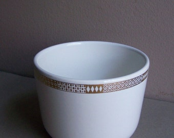 2 Vintage Georges Briard Bowls White with Gold Geometric Border/Mid Century Modern Dining