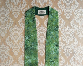 """IMMEDIATE SHIPPING -- Green Clergy Stole For Ordinary Time -- 48"""" Length"""