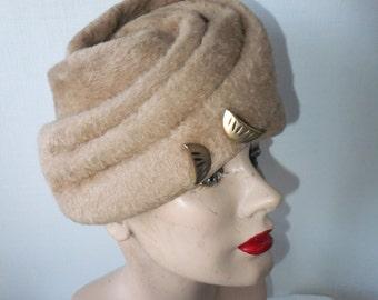 Vintage Hat Tan Beige Designer Vivi by Elite Soft Fuzzy Look Winter Accessories Cold Weather