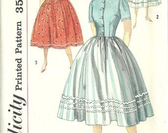 Simplicity 2430 / Vintage 50s Sewing Pattern / Dress / Size 14 Bust 34