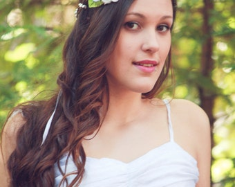 white flower hair crown, bridal flower headpiece, flower hair wreath, flower crown, white wedding hair accessories