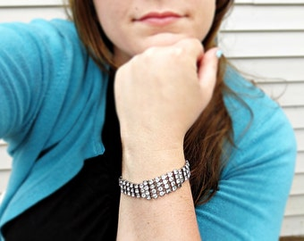 GIVE me a GLINT vintage rhinestone bracelet (silver)