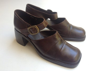 Vintage 90's /// ESPRIT Shoes /// Brown Mary Janes Size 37 US 7