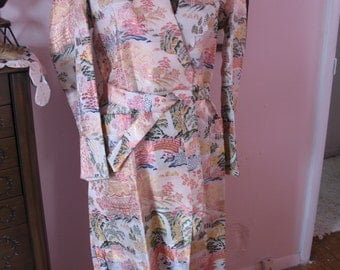 1950s Asian Robe / Brocade Village Scene / Pinks-SALE