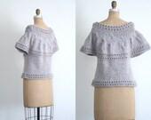 70s . 80s granny chic hand knit sweater - short sleeve / Dove Gray & pastel blue / Kawaii - vintage 1980s