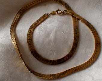 Trifari Luxurious Serpentine Gold Neckchain, 15 Inches