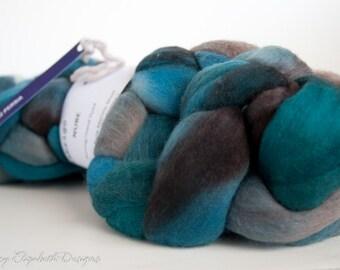SUPER SOFT Malabrigo Nube Hand Dyed 100% merino wool top - 852 Persia - Luxury fiber for HandSpinning Needlefelting Felting Thrumbed Mitts