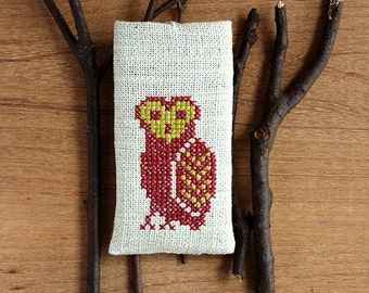 Owl - iPhone 5 5S 5C case - Hand embroidery - Rustic