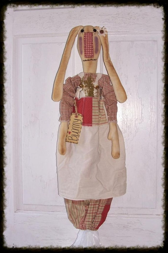 Folk Art Bag Holder Bunny Doll Maddy Sweet Annie Prims*Gone*Wild