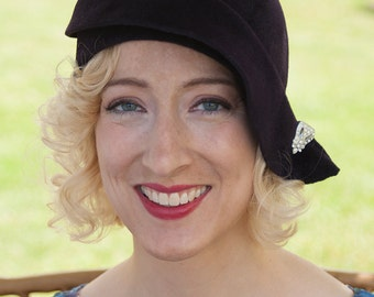 "20s Cloche Hat, Fur Felt Velour with Vintage Clip ""Claudette"""