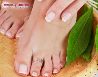 Buy 3, Get One FREE - Thick Band Toe Ring, Silver - Choose Your Finish