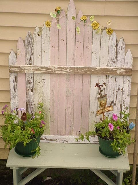 Vintage Chippy Picket Fence Cottage Garden Pink And White Home