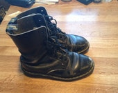 Vintage Distressed Dr. Marten 10eye Lace Up Boots
