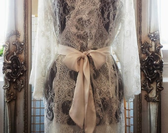 Chantilly Lace robe/ dressing gown in ivory