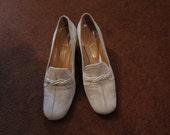 80's  Bullock's Wilshire Cream Suede Shoes