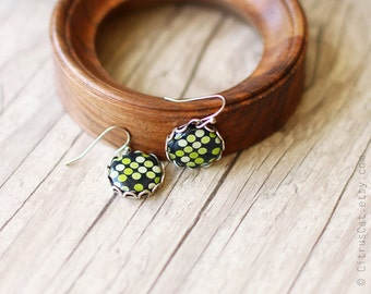 Green forest - polka dots earrings. Green earrings, woodland jewelry, nature moss green, geometric jewelry, rustic earrings