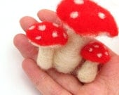 Felt toadstools, wool felt red toadstool, fall decorations, needle felted - drudruchu