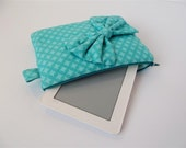 Padded zip Kindle sleeve: turquoise aqua with geometric print