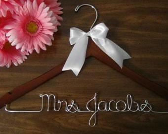Bridal Hanger for Wedding Dress, Custom Hanger, Personalized Keepsake Hanger, Bridal Shower Gift idea,Wedding Photo Props