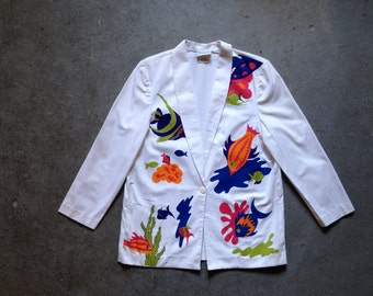 vintage 1980s boyfriend jacket with tropical fish print. wild retro clothing. women's outerwear.
