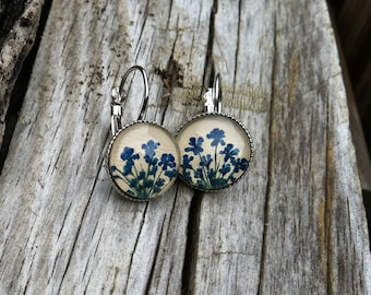 blue earrings - original gift - natures jewelry -  pressed blue Queen Annes over beige leather -real flower earrings