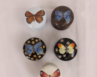 knobs. Set of dresser knobs, hand painted knob, butterfly motif, shabby chic decor, decorative knobs. wood, decoupage and painted furniture