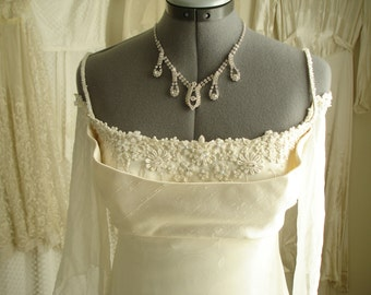 Vintage Mid Century Ivory Silk Shantung and Chiffon Wedding Dress w/ Floral Lace Beads & Detachable Sleeves