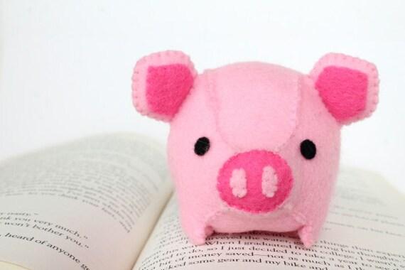 Pdf Pattern Felt Pig Plush From Typingwithtea On Etsy Studio