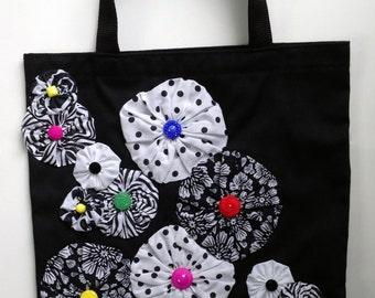Yo-Yo Flower Embellished Black Canvas Tote Bag - Violet Bows