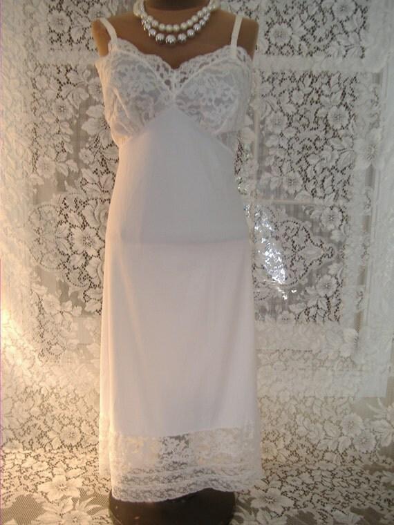 Vanity fair full length slip dress wedding white lots of for Full length slip for wedding dress