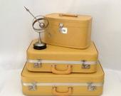 Vintage Yellow Train Case, Makeup Case