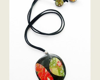 Red Cranes and Green Blossom Disk Necklace, Japanese Chiyogami Paper Decoupage