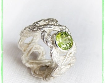 """Lace silver ring """"sparkling green"""""""